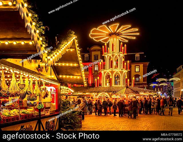 Christmas market on Market Square in Heidelberg, Baden-Wuerttemberg, Germany, Europe