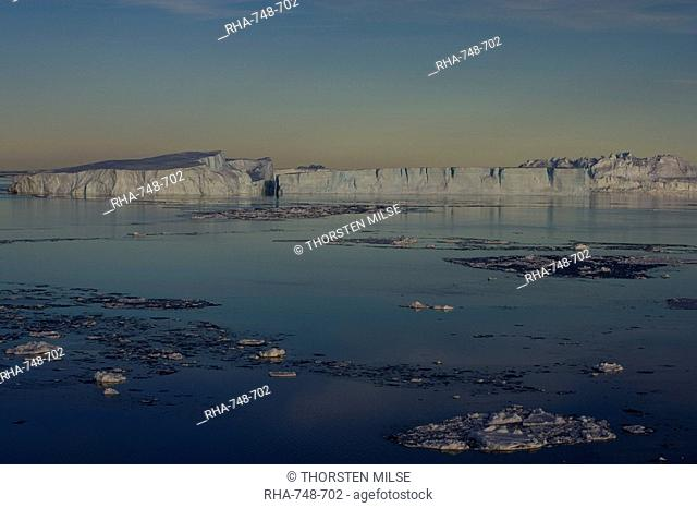 Icebergs, Weddell Sea, Antarctic Peninsula, Antarctica, Polar Regions
