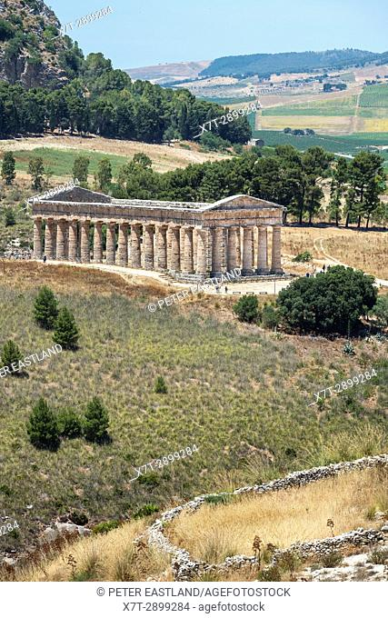 The 5th century BC Doric temple at Segesta, and the landscape of western Sicily, Italy