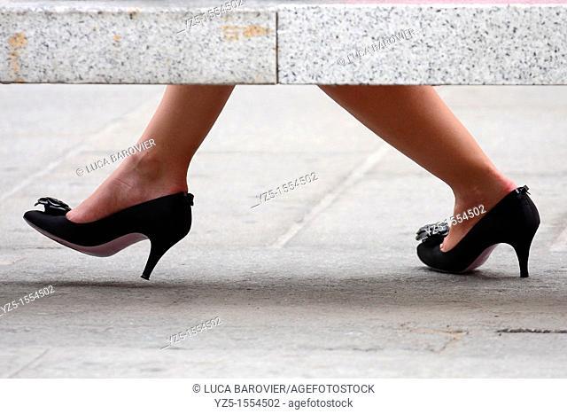 Women's black shoes