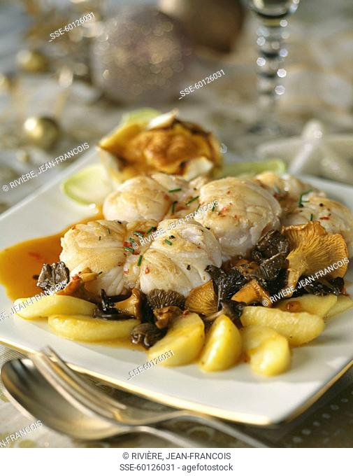 Monkfish with apples and mushrooms
