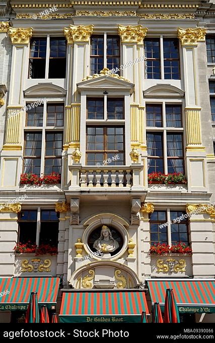 Europe, Belgium, Brussels, Old Town, Grand Place, Grote Markt, Historical building, Facade, Window, Balcony, Details gold-plated