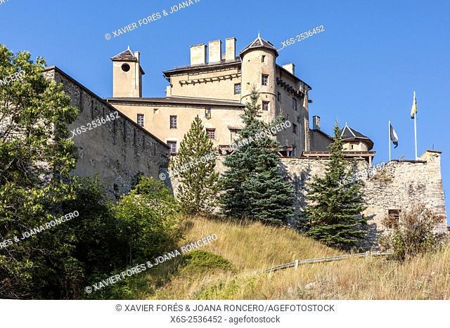 Château Queyras in the Parc Naturel Régional du Queyras, Hautes-Alpes, Provence-Alpes-Côte d'Azur, France
