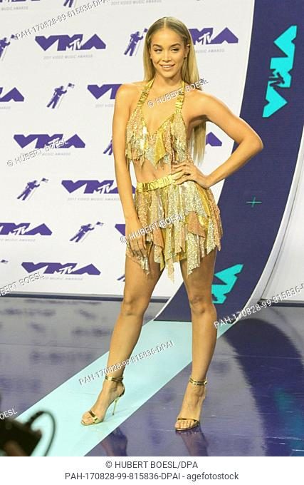 Jasmine Sanders arrives at the 2017 MTV Video Music Awards, VMAs, at The Forum in Inglewood, Los Angeles, USA, on 27 August 2017