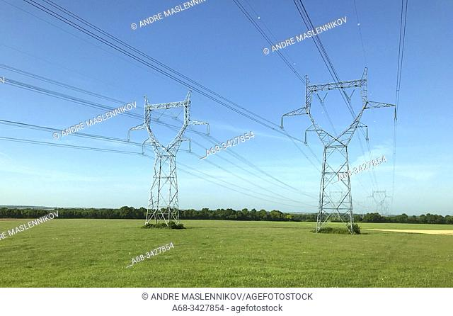 Power lines near Fors in France. . Photo: André Maslennikov