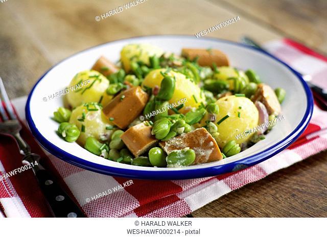 Rhenish fava bean stew with smoked tofu sausage