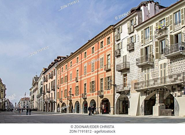 Via Roma in Cuneo
