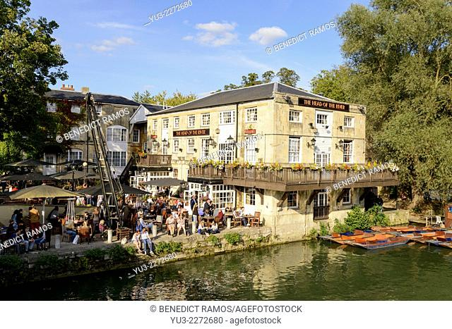 View of the Head of the River pub by the River Thames(also known as the River Isis), Oxford, England, UK