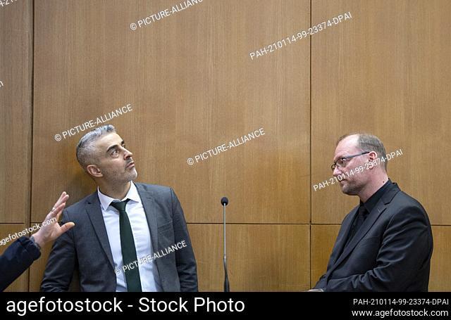 14 January 2021, Hessen, Frankfurt/Main: Mustafa Kaplan (l) and Jörg Hardies, defense lawyers of the main defendant S. Ernst