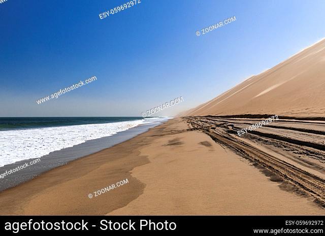 Sandsturm an der Skelettkueste, Duenen bis zum Atlantischen Ozean, Namib Wueste, Namibia, Afrika