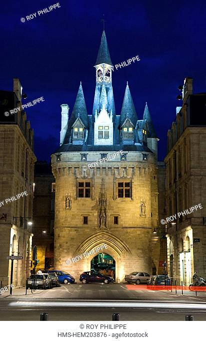 France, Gironde, Bordeaux, area listed as World Heritage by UNESCO, the Porte Cailhau Cailhau Gate, the Arc de triomphe Triumpham Arch dedicated to Charles VII...