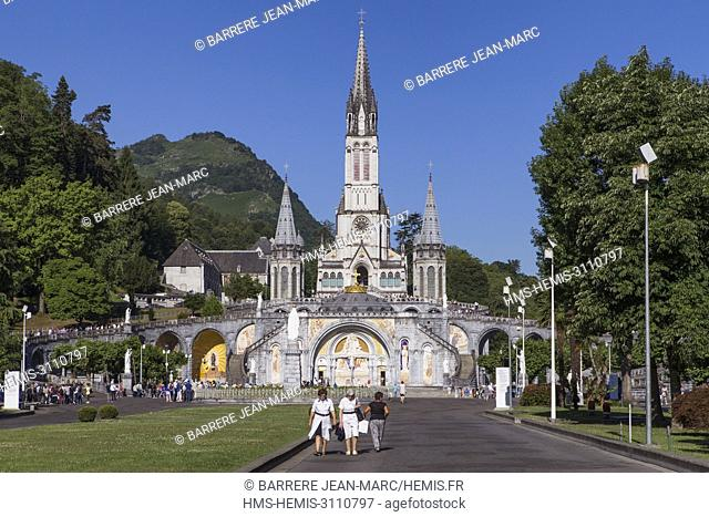 France, Hautes Pyrenees, Lourdes, Sanctuary of Our Lady of Lourdes, Basilica of the Immaculate Conception and Rosary Basilica
