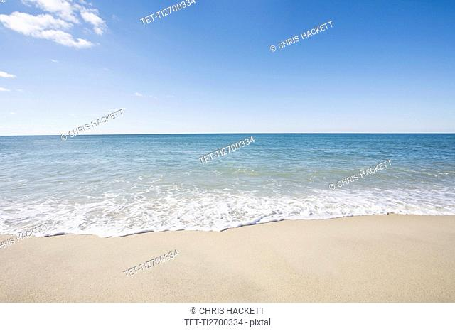 USA, Massachusetts, Waves at sandy beach