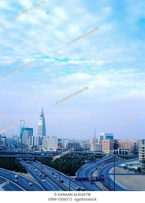 Cityscape of Riyadh with King Fahed Road and Al Faisaliah and Al Mamlakah Tower, Riyadh, Saudi Arabia
