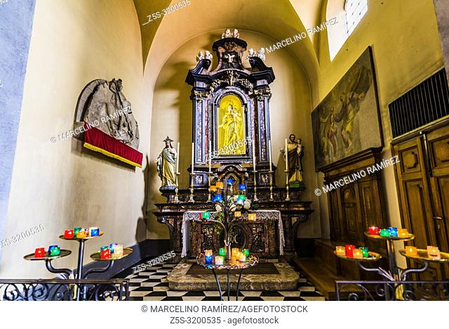 Side chapel on the church nave, church of San Giorgio. Varenna, Province of Lecco, Lombardy, Italy, Europe