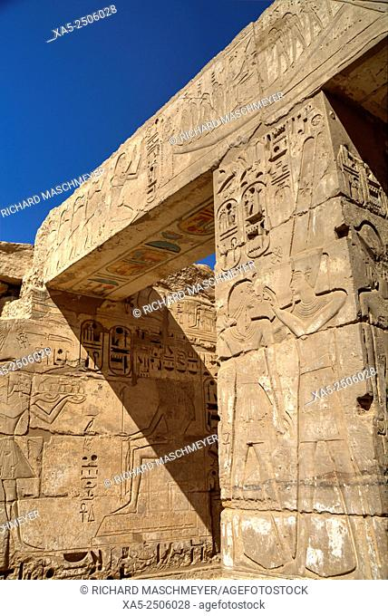 Bas Reliefs, Hypostyle Hall, Medinet Habu (Mortuary Temple of Ramses III), West Bank, Luxor, Egypt