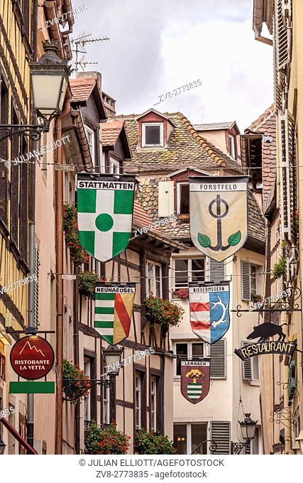 Alsacien banners in rue du Sanglier