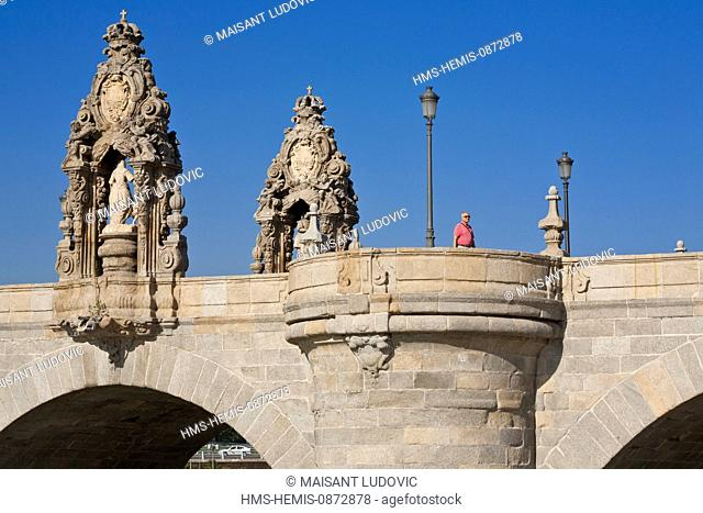 Spain, Madrid, Rio Madrid park along Manzanares river opened in 2011, Tolede Bridge completed in 1732 with oratories dedicated to San Isidro and Santa Maria de...
