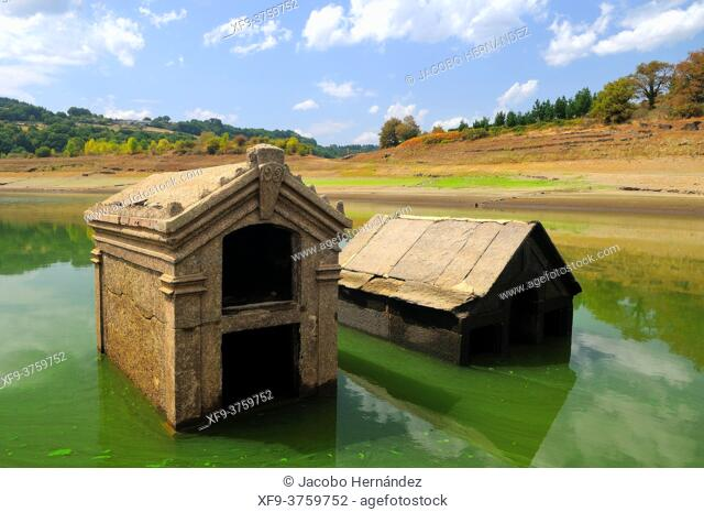 Old cemetery of Portomarín flooded by the Belesar reservoir on the Miño river. Lugo province. Galicia. Spain