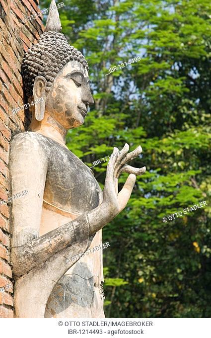 Buddha statue, Wat Traphang Ngoen Temple, Sukhothai, Thailand, Asia