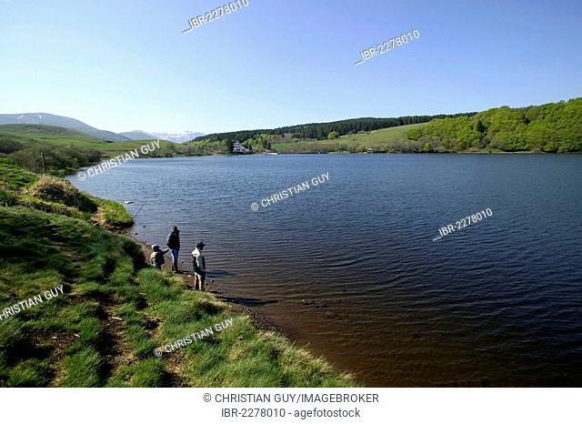 Guery lake, Monts Dore, the Sancy massif at back, Auvergne Volcanoes Natural Park, Puy de Dome, Auvergne, France, Europe