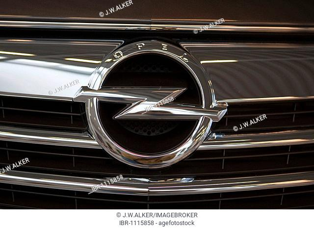 Grille face panel with the company logo of the automobile brand OPEL INSIGNIA, Germany