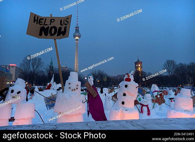Snowman Demo 2010 on the Schlossplatz, Castle Square, Berlin, Germany