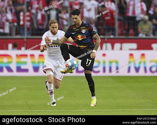 firo: 18.09.2021, Fuvuball, 1st Bundesliga, season 2021/2022, 1.FC Kv? ln - RB Red Bull Leipzig 1: 1 Dominik SZOBOSZLAI, Leipzig right in front of Benno SCHMITZ