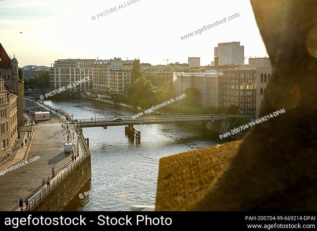 03 July 2020, Berlin: View from the Bode-Museum to the Spree and the Ebertbrücke. Photo: Gerald Matzka/dpa-Zentralbild/ZB. - Berlin/Berlin/Germany