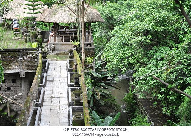 Ubud (Bali, Indonesia): a restaurant by the forest