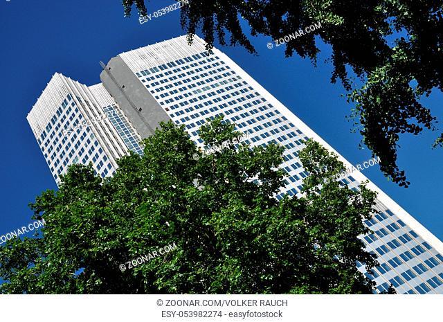 Hochhaus, Frankfurt, wolkenkratzer, fassade, hausfassade, gebäude, bürogebäude, business, hessen, deutschland, brd, bank, banken, city, deutsche bank
