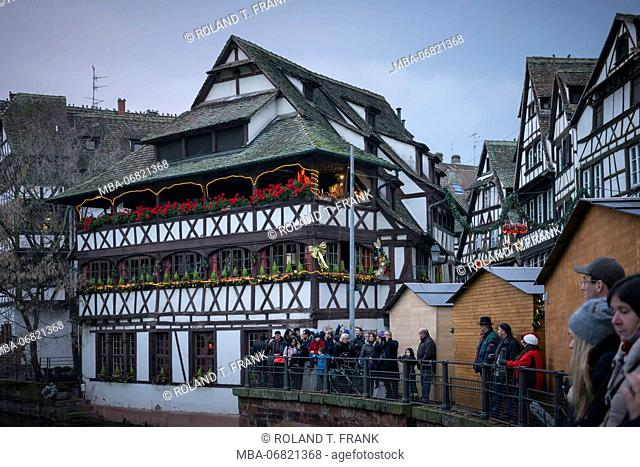 France, Alsace, Strasbourg at Christmas time, in the district 'Petite France'