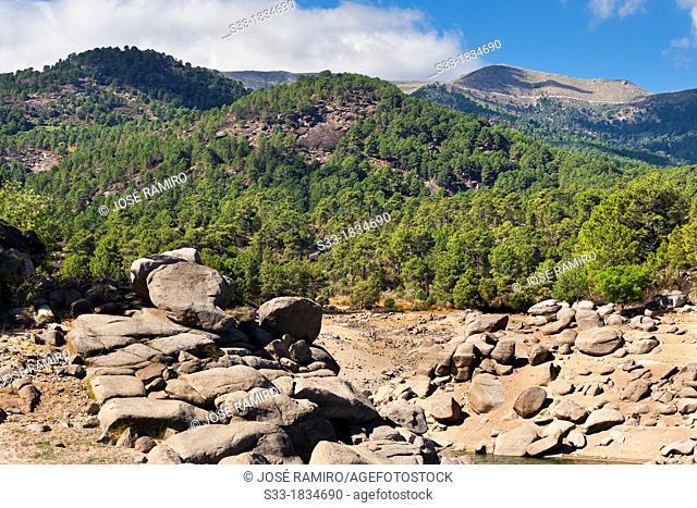 Cabeza Valdehornos in the Sierra de Gredos from the Burguillo reservoir  Ávila  Castilla León  Spain
