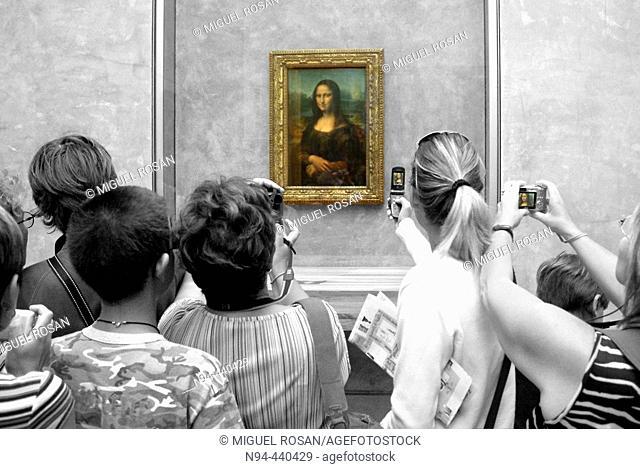 'Mona Lisa' (aka 'La Gioconda') in the Louvre Museum, Paris. France