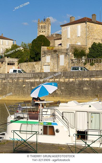 France, Gers (32), Town of Condom, river port on La Baise river / Gers (32), ville de Condom, port fluvial sur la Baise