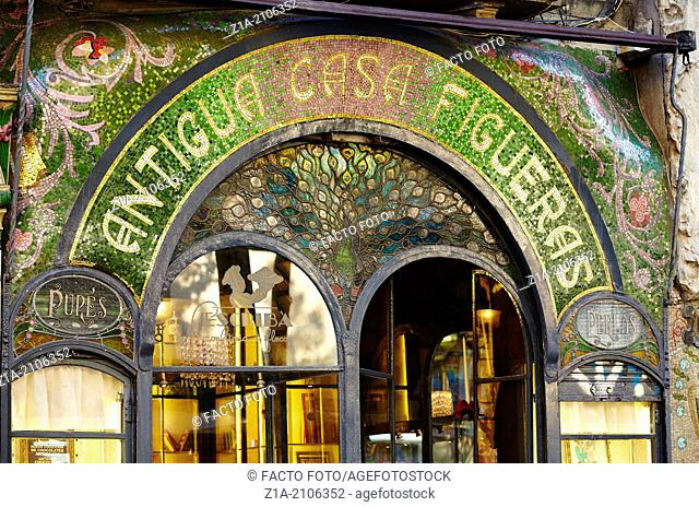 Antigua Casa Figueras facade, patisserie built in 1820 and decorated by Antoni Ros and Güell in 1902. Las Ramblas. Barcelona. Catalonia. Spain