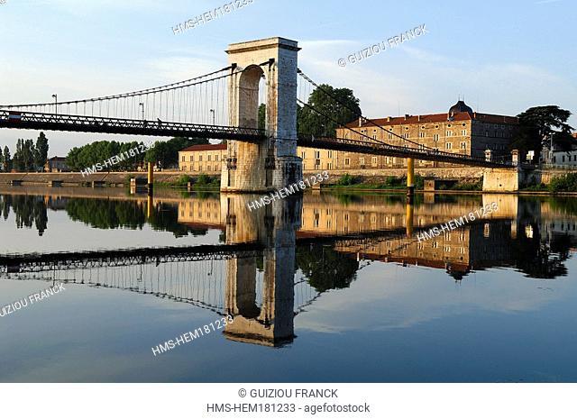 France, Ardeche, Rhone valley, Tournon sur Rhone, suspension bridge on the Rhone between Tain and Tournon footbridge Marc Seguin