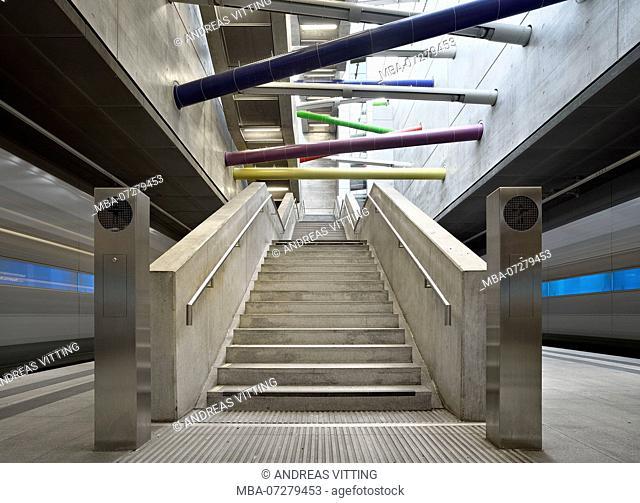 Germany, Saxony, Leipzig, City Tunnel Leipzig, station Bayerischer Bahnhof, stairway, moving suburban trains, bulb exposure, light traces
