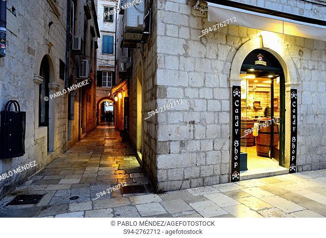 """Old Town """"""""Stari Grad"""""""" of Dubrovnik, Croatia"""