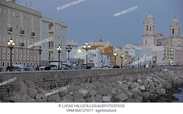 The cathedral and the levee in Campo del Sur, Cádiz, Andalusia, Spain