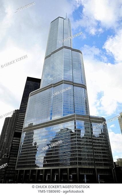 Trump Tower on the Chicago River