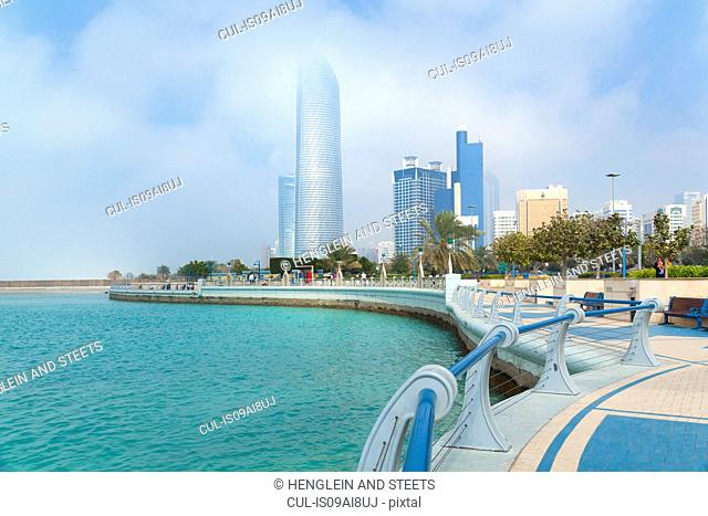 Downtown Abu Dhabi, Landmark Tower, Baynunah Tower, United Arab Emirates