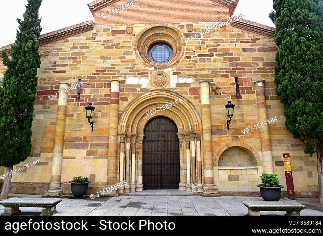 Benavente, San Juan del Mercado church (romanesque 12-13th centuries). Zamora province, Castilla y Leon, Spain