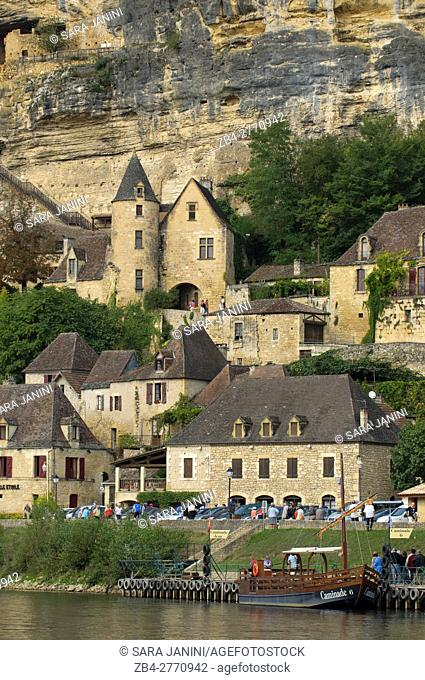 La Roque-Gageac, Dordogne, Aquitaine, France. La Roque-Gageac is one of France's most beautiful villages. In a stunning position on the north bank of the...