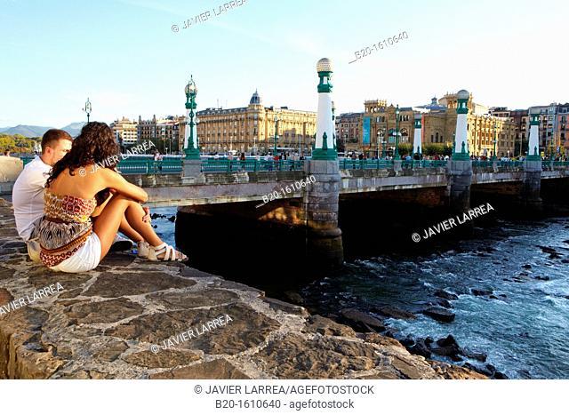 Zurriola Bridge, river Urumea, Donostia, San Sebastian, Gipuzkoa, Basque Country, Spain