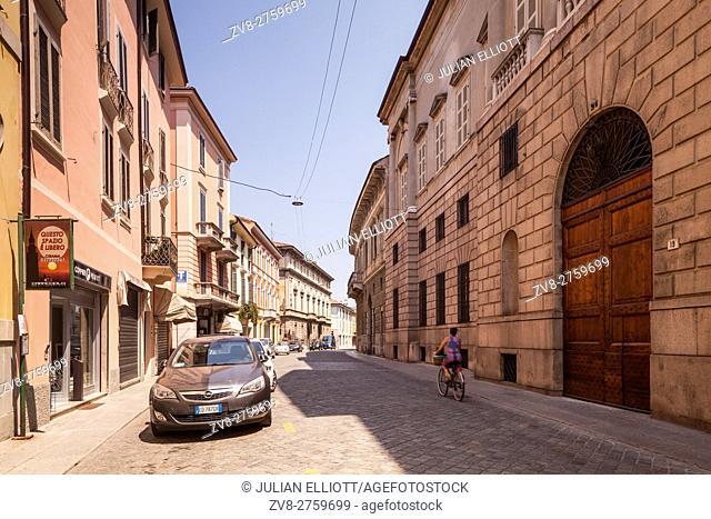 The quiet streets of Cremona, Italy