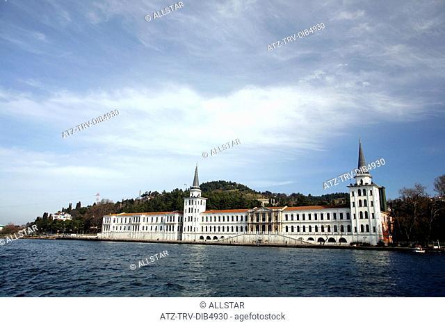 THE KULELI MILITARY SCHOOL & THE BOSPHORUS; ISTANBUL, TURKEY; 13/02/2007