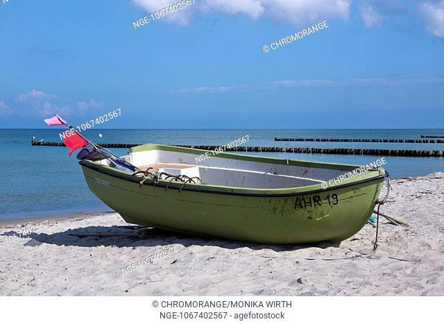 Fishing boat at the Baltic Sea near Ahrenshoop, Fischland, Darss, district Vorpommern-Ruegen, Mecklenburg-Vorpommern, Germany, Europe