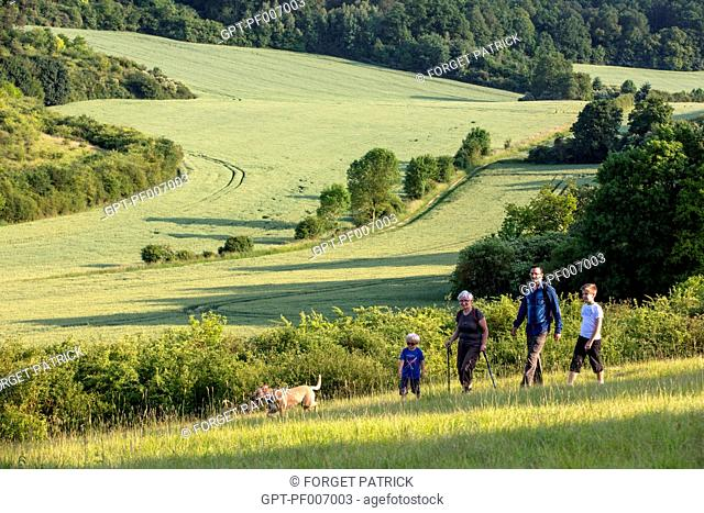AN OUTING WITH THE FAMILY, HIKING IN THE VALLEY OF LES CAILLES, BONCOURT, ANET,(28), FRANCE