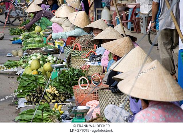 Vietnamese women at the market at Cai Rang, Mekong Delta, Can Tho Province, Vietnam, Asia